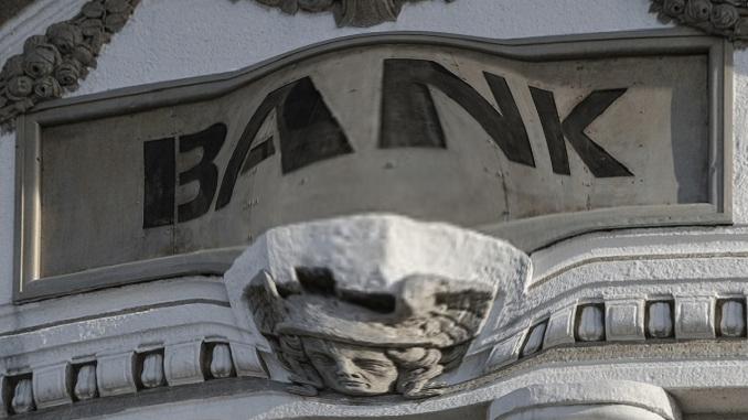 Danko B. Marin: Propale su imperije, bankarska – nije