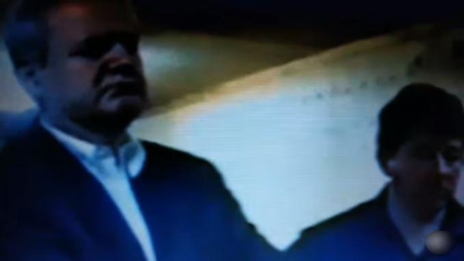 """Dosad neobjavljeni snimak Slobodana Miloševića u američkoj bazi """"Igl"""" kod Tuzle, neposredno pred izručenje Hagu (VIDEO)"""