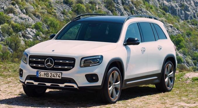 Mercedes napravio groblje automobila od novih vozila (VIDEO)