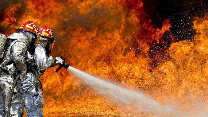 Požar u Los Anđelesu, evakuisano 100.000 ljudi