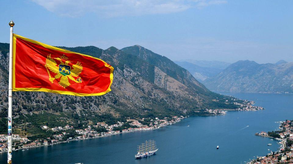 U Crnoj Gori za nepoštovanje himne kazna do 2.000 evra