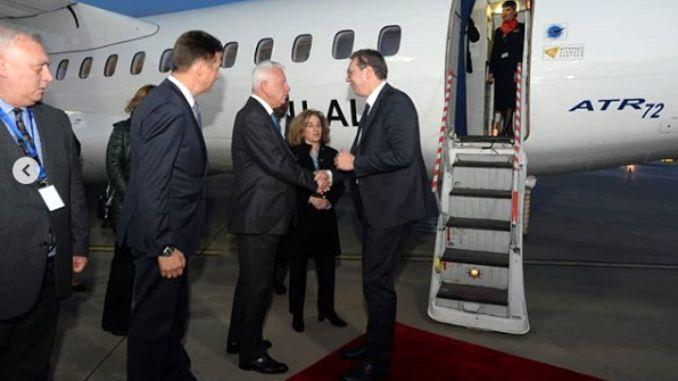 Vučić doputovao u Atinu, sutra se sastaje sa predsednikom Grčke