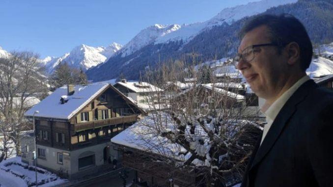 Vučić stigao u Davos, požalio se na Amerikance i smeštaj
