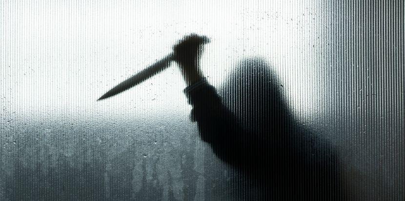 Mladić izboden nožem kod Novog Kneževca: Pronađen na ulici sa ranom na grudima